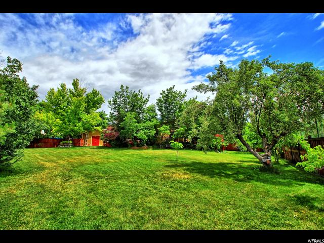 1945 E LONGVIEW DR Holladay, UT 84124 - MLS #: 1474274