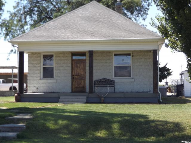 Unique la famille pour l Vente à 255 S 5900 W Warren, Utah 84404 États-Unis