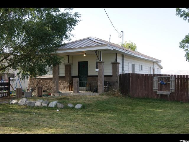 Unique la famille pour l Vente à 9870 W 10400 N 9870 W 10400 N Thatcher, Utah 84337 États-Unis