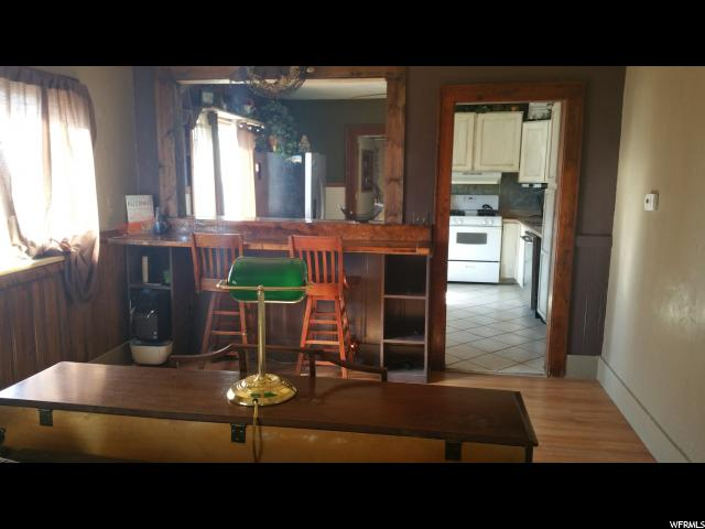 Additional photo for property listing at 9870 W 10400 N 9870 W 10400 N Thatcher, 犹他州 84337 美国