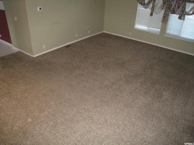 Additional photo for property listing at 82 W 900 S 82 W 900 S Santaquin, 犹他州 84655 美国