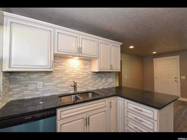 Additional photo for property listing at 1077 S PROSPECT Street 1077 S PROSPECT Street Unit: B Salt Lake City, Utah 84104 United States