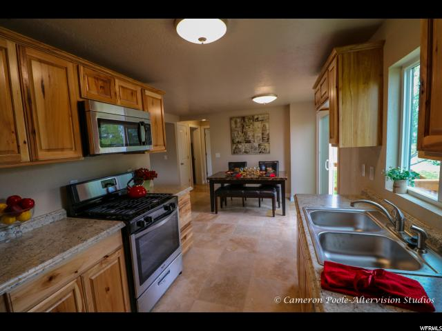 Additional photo for property listing at 2521 E 3950 S 2521 E 3950 S Vernal, 犹他州 84078 美国