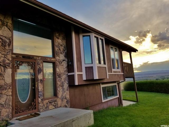 Unique la famille pour l Vente à 2271 N HILLCREST Drive 2271 N HILLCREST Drive Wellington, Utah 84542 États-Unis
