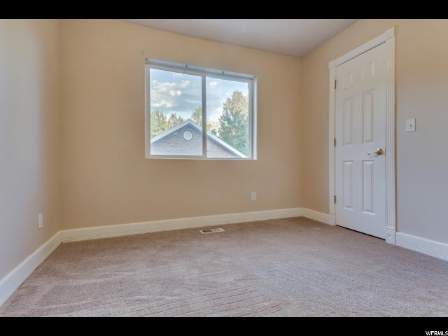 Additional photo for property listing at 547 E 1640 N 547 E 1640 N Orem, Utah 84097 Estados Unidos