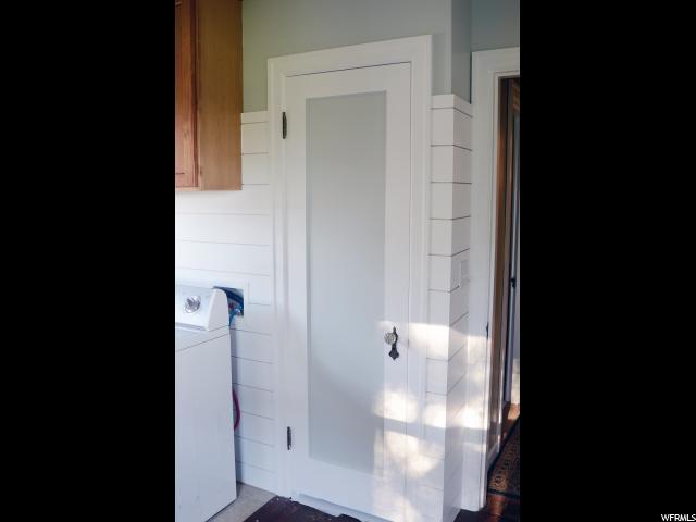 Additional photo for property listing at 2747 N 1050 E 2747 N 1050 E North Ogden, Utah 84414 Estados Unidos