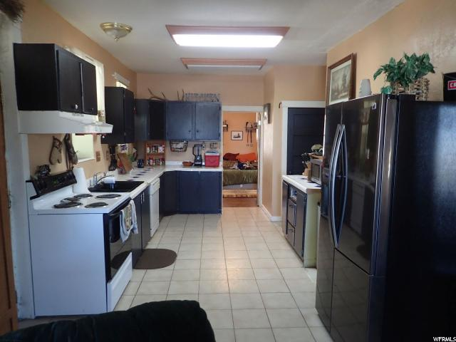 Additional photo for property listing at 40 E 100 N 40 E 100 N Lynndyl, Utah 84640 Estados Unidos