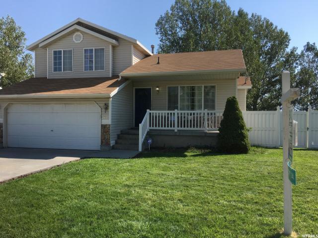 Unique la famille pour l Vente à 5897 S TROWBRIDGE WAY Kearns, Utah 84118 États-Unis