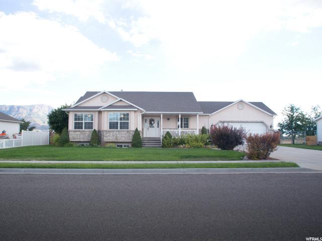 单亲家庭 为 销售 在 605 W 1080 S 605 W 1080 S Richfield, 犹他州 84701 美国