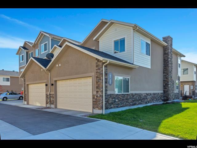 联栋屋 为 销售 在 3866 S 1605 W 3866 S 1605 W Unit: 201 West Valley City, 犹他州 84119 美国