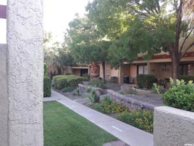 Condominio por un Venta en 480 S 200 W 480 S 200 W Unit: 11 St. George, Utah 84770 Estados Unidos