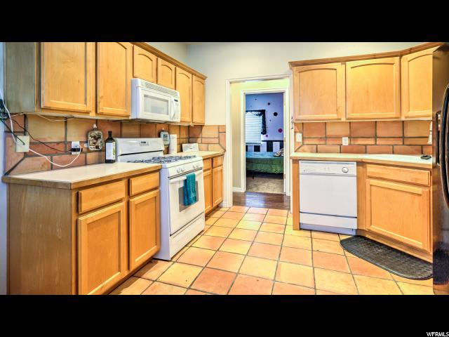 Additional photo for property listing at 180 N 100 E 180 N 100 E Tooele, Utah 84074 États-Unis