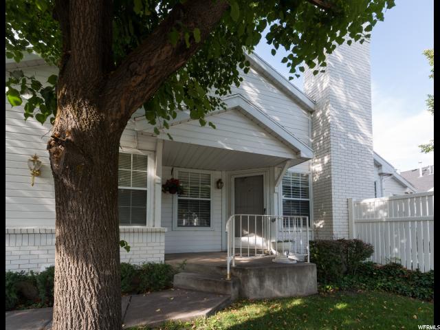 شقة بعمارة للـ Sale في 820 N 250 W Bountiful, Utah 84010 United States