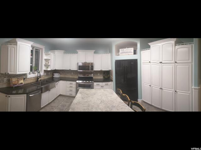 Additional photo for property listing at 802 W 300 N 802 W 300 N Hyrum, Юта 84319 Соединенные Штаты