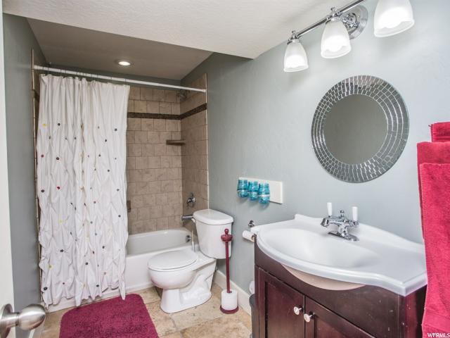 Additional photo for property listing at 11508 S BLUERISE Avenue 11508 S BLUERISE Avenue South Jordan, Utah 84009 United States