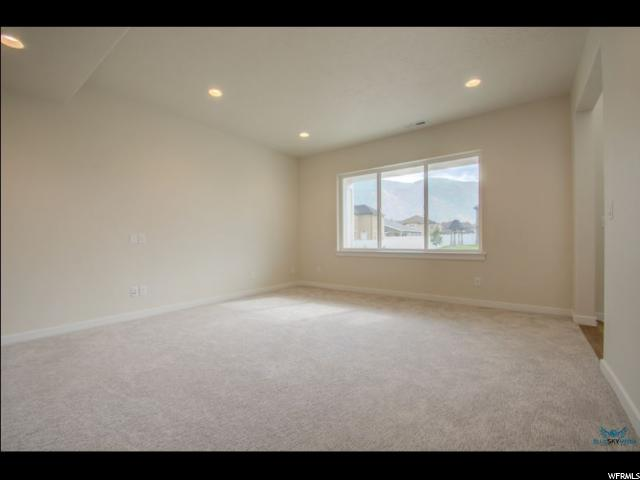 Additional photo for property listing at 807 E 270 N 807 E 270 N Salem, Utah 84653 United States
