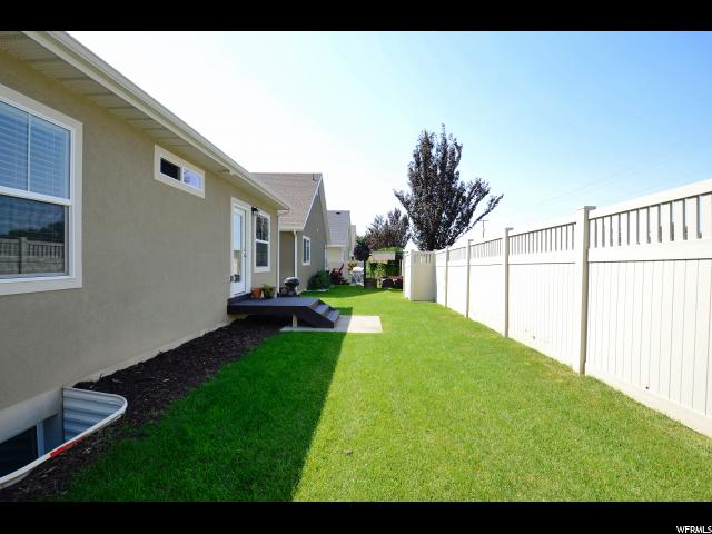 Additional photo for property listing at 1102 W 275 N 1102 W 275 N Clearfield, Utah 84015 Estados Unidos