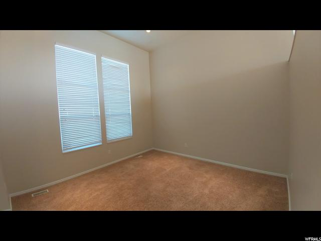 Additional photo for property listing at 1924 S 1450 W 1924 S 1450 W Woods Cross, Utah 84087 Estados Unidos