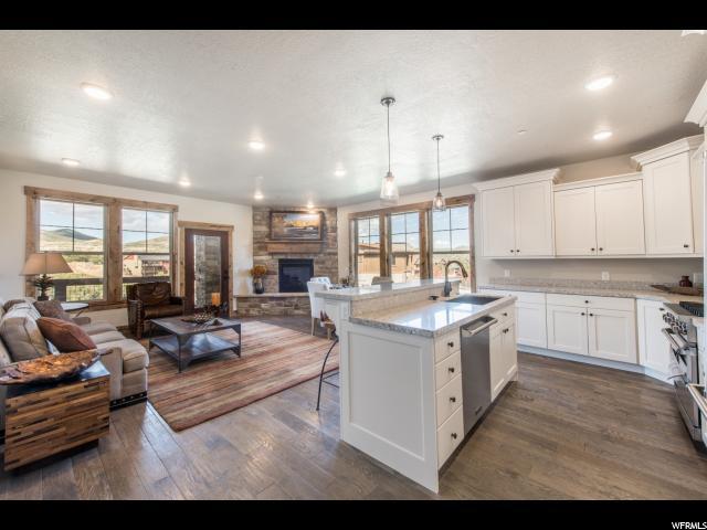 Appartement en copropriété pour l Vente à 1288 DEER PARK Circle 1288 DEER PARK Circle Unit: 103 Heber City, Utah 84032 États-Unis