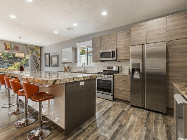 单亲家庭 为 销售 在 165 N MAIN Street 165 N MAIN Street Leeds, 犹他州 84746 美国