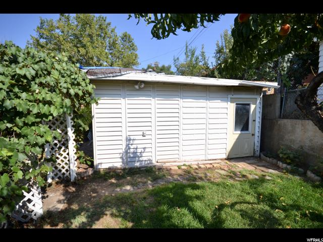 Additional photo for property listing at 2121 W 3900 S 2121 W 3900 S Roy, Utah 84067 Estados Unidos