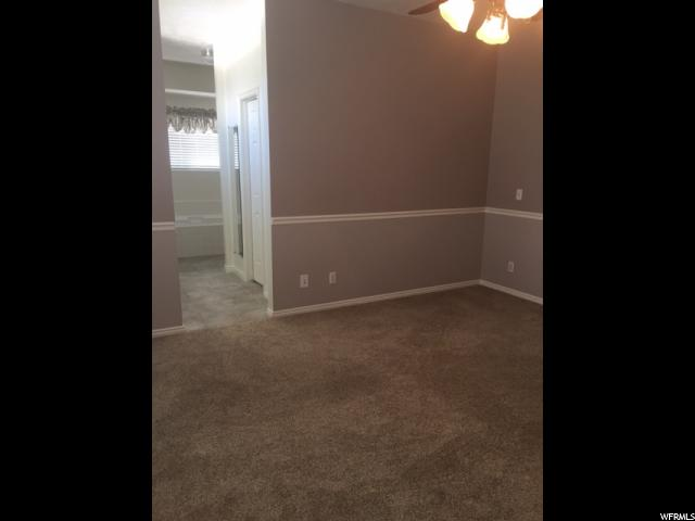 Additional photo for property listing at 5296 MOUNTAIN BROOK Drive 5296 MOUNTAIN BROOK Drive West Jordan, Utah 84081 États-Unis