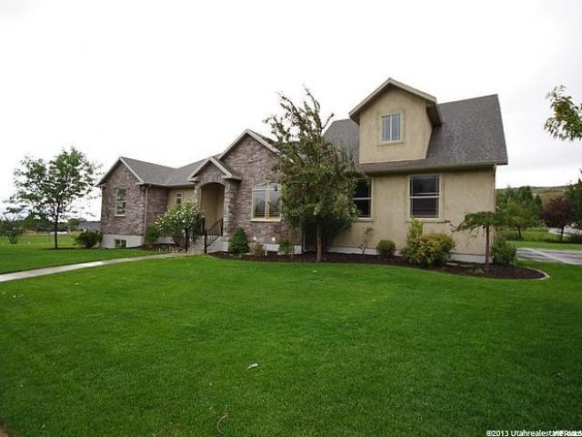 单亲家庭 为 销售 在 1023 N EASTVIEW 1023 N EASTVIEW Alpine, 犹他州 84004 美国