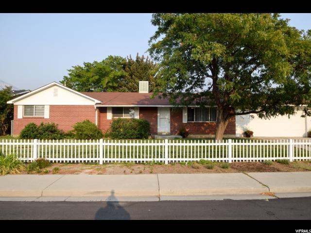 Unique la famille pour l Vente à 966 N 250 E 966 N 250 E Orem, Utah 84057 États-Unis