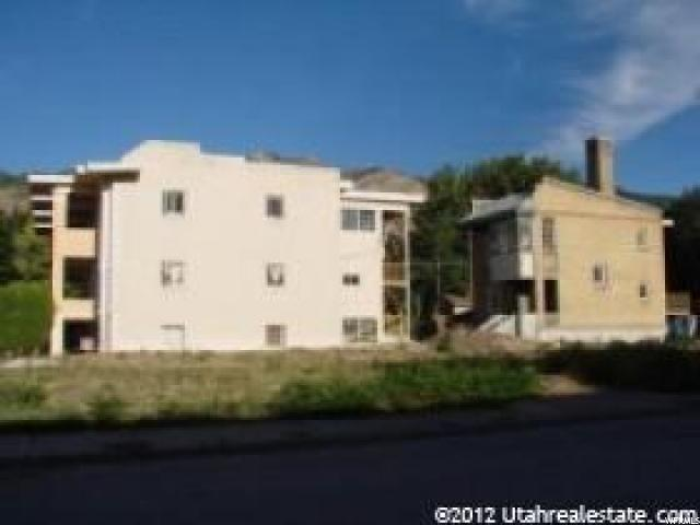 Additional photo for property listing at 961 E 2500 S 961 E 2500 S Ogden, Utah 84401 Estados Unidos