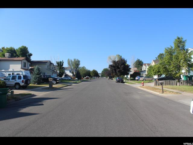 Additional photo for property listing at 2290 N 1075 E 2290 N 1075 E Layton, Utah 84040 États-Unis