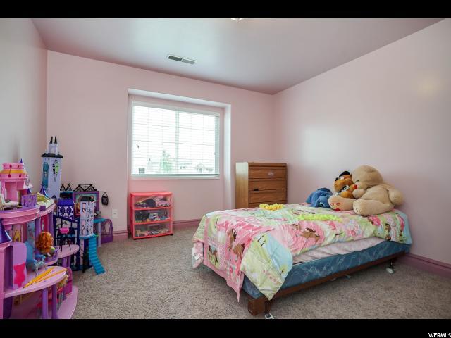 Additional photo for property listing at 2115 N 5 E  Layton, Utah 84041 États-Unis