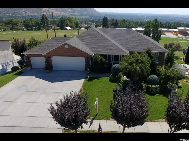 Additional photo for property listing at 867 E 3200 N 867 E 3200 N North Ogden, 犹他州 84414 美国