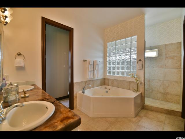 Additional photo for property listing at 716 E WHISPER BEND Drive  德雷帕, 犹他州 84020 美国