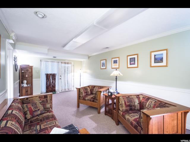 Additional photo for property listing at 34 S 500 E 34 S 500 E Salt Lake City, Utah 84102 États-Unis