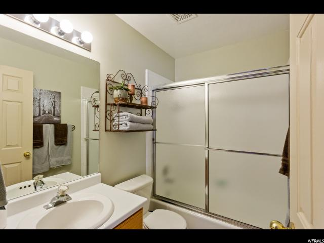 Additional photo for property listing at 2622 W 3950 S  Roy, 犹他州 84067 美国