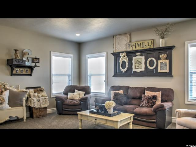 Additional photo for property listing at 317 N 850 W 317 N 850 W Roosevelt, Utah 84066 États-Unis