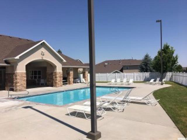 Additional photo for property listing at 7377 BRITTANY TOWN Drive  West Jordan, Utah 84084 États-Unis