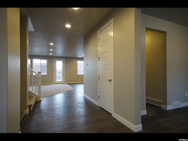 Additional photo for property listing at 1833 N 875 E 1833 N 875 E North Ogden, Юта 84414 Соединенные Штаты