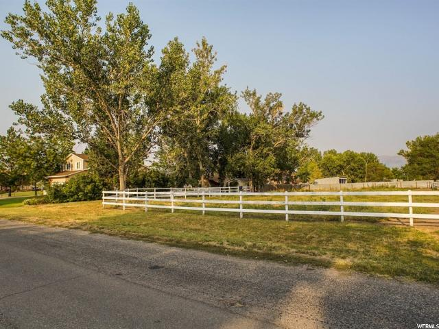 Additional photo for property listing at 4202 S 5275 W 4202 S 5275 W Hooper, Utah 84315 Estados Unidos