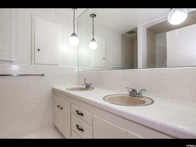 Additional photo for property listing at 2174 E SUADA Drive 2174 E SUADA Drive Holladay, Юта 84124 Соединенные Штаты