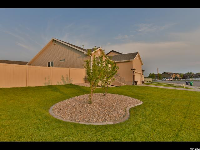 Additional photo for property listing at 5468 S 2500 W  Roy, Utah 84067 United States