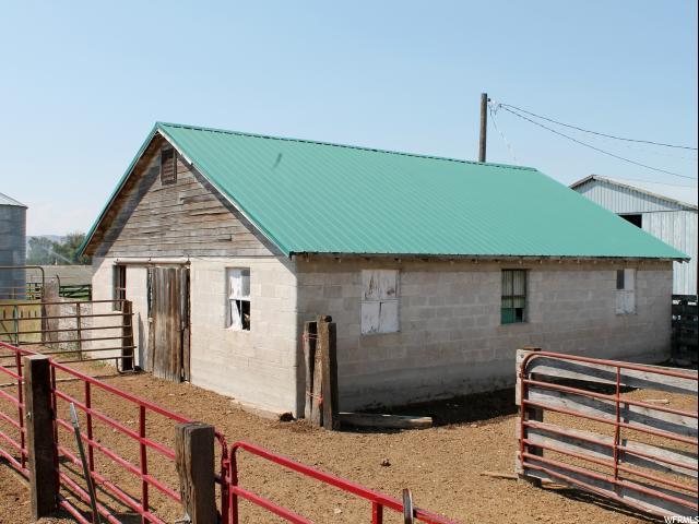 Additional photo for property listing at 972 HIGHWAY 38 972 HIGHWAY 38 Malad City, Idaho 83252 Estados Unidos