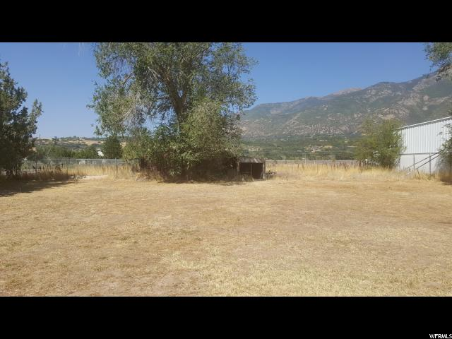 Additional photo for property listing at 2080 E 7400 S 2080 E 7400 S South Weber, Utah 84405 Estados Unidos