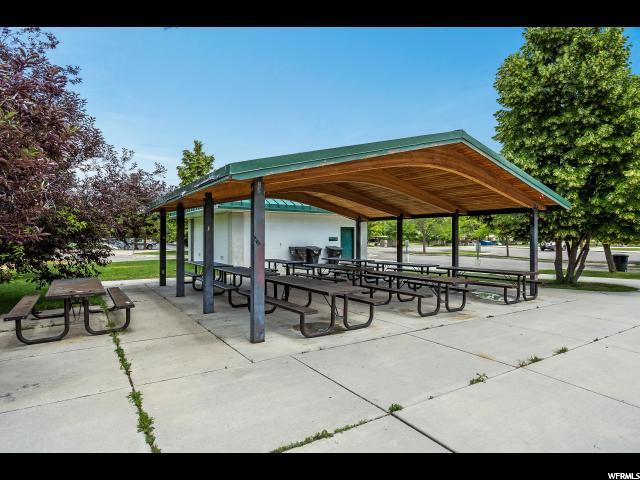 Additional photo for property listing at 3844 S CANYON RIVER WAY 3844 S CANYON RIVER WAY Unit: 3 Salt Lake City, Utah 84119 États-Unis