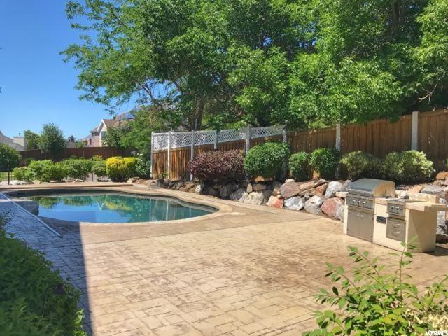 Additional photo for property listing at 1247 E 150 S 1247 E 150 S Lindon, Utah 84042 États-Unis