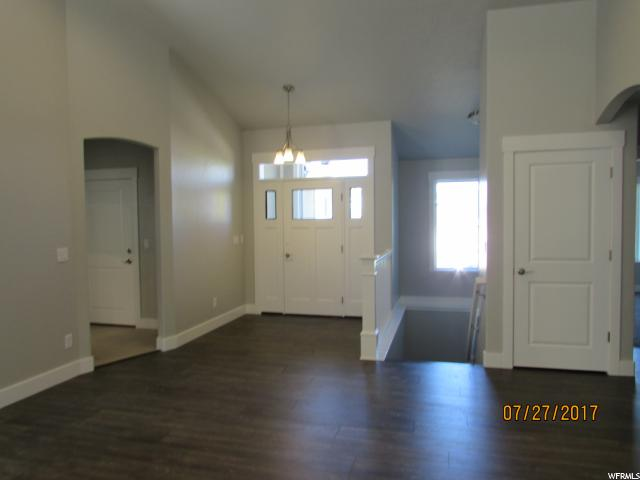 Additional photo for property listing at 1530 N 1350 E  North Logan, Utah 84341 États-Unis