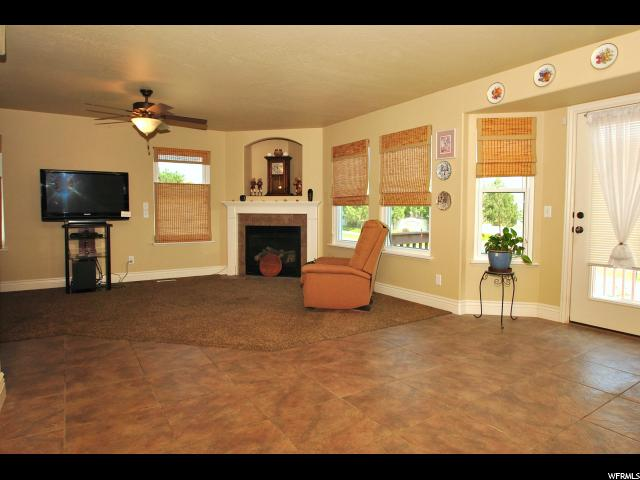 2064 N BOYSENBERRY DR Saratoga Springs, UT 84045 - MLS #: 1479283