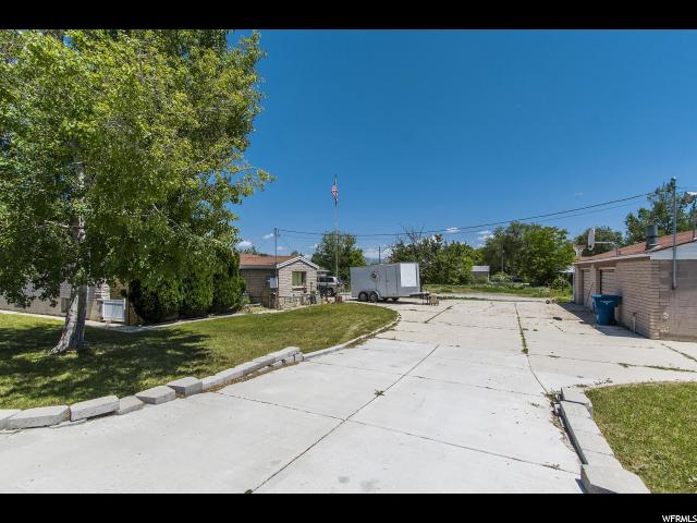 Additional photo for property listing at 3399 W 4700 S 3399 W 4700 S Taylorsville, Utah 84129 États-Unis