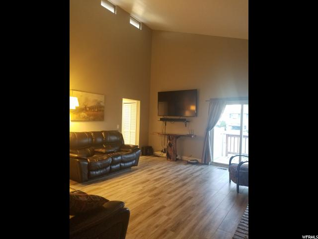 Additional photo for property listing at 4949 S HENSLEY Circle 4949 S HENSLEY Circle Taylorsville, Utah 84129 États-Unis