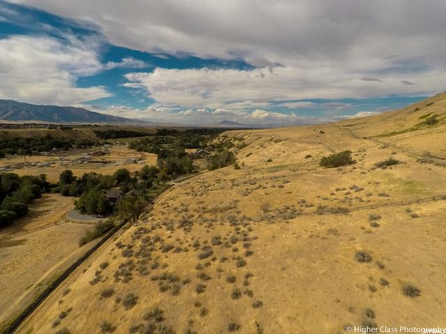Additional photo for property listing at 5395 S SLEEPY HOLLOW Road 5395 S SLEEPY HOLLOW Road Nibley, Utah 84321 Estados Unidos
